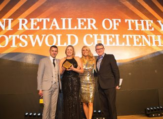 Cotswold Mini Cheltenham named Retailer of The Year at awards ceremony