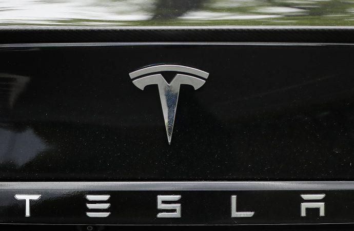 Tesla shares plummet after sales fail to hit targets