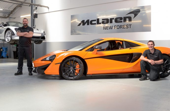 Customers welcomed to superb new workshop at McLaren New Forest