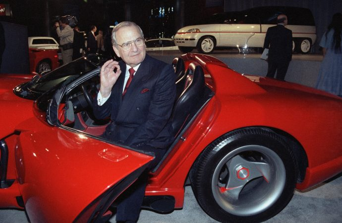 Former Chrysler and Ford executive Lee Iacocca dies aged 94