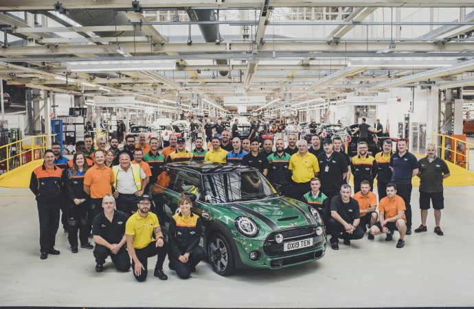 Mini milestone marked with gathering of 60 cars from each year of production