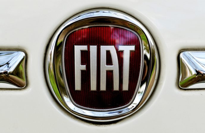 Fiat Chrysler confirms talks with Groupe PSA