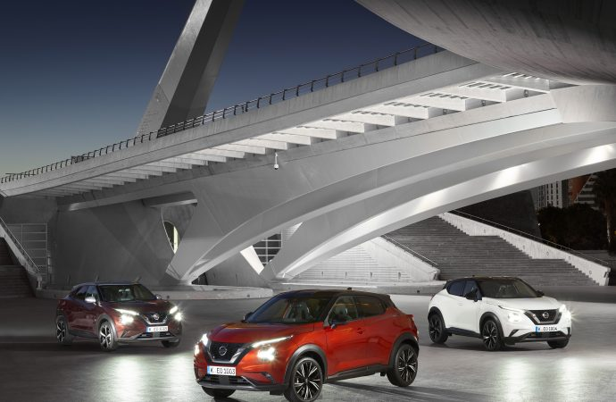 New Juke takes prize place on UEFA Champions League Trophy Tour of Nissan dealers
