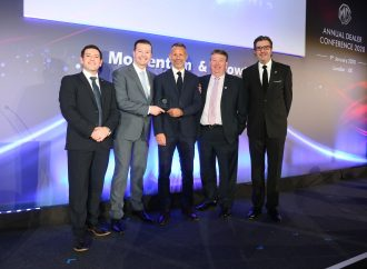 Magnificent seven MG dealers handed awards at conference