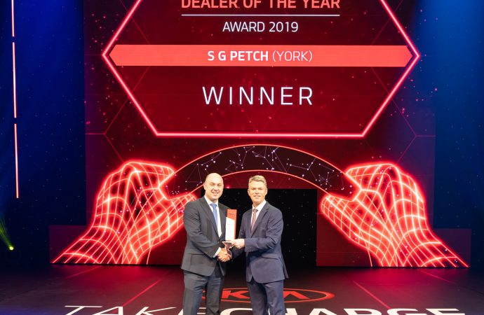Kia dealers praised for 'exceptional work' as awards presented