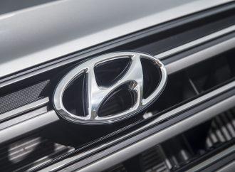 Hyundai honours top-performing UK dealers